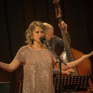 Dziedātāja Laura Polence: Iekšējais kritiķis vienmēr ir ļoti aktīvs un runā dažādās balsīs