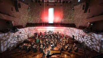 """Valsts svētku koncerts """"Latvijai 102"""" Liepājas koncertzālē """"Lielais dzintars"""""""