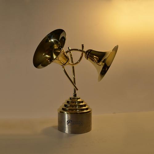 Zināmas 15 fināla dziesmas, kas turpina sacensību par gada vērtīgākās titulu