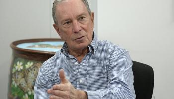 Maikls Blumbergs gatavojas cīņai par demokrātu nomināciju ASV prezidenta vēlēšanām