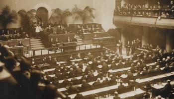 Latvijas ārpolitika pirmajā neatkarības demokrātiskajā posmā līdz 1934.gadam