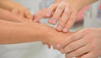 Sociālais placebo efekts var ietekmēt arī ārstēšanas rezultātus
