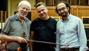 """Andri Dzenīti iedvesmo viņa darbu atskaņojumi, Beļcovas izstāde un koncertzāle """"Latvija"""""""