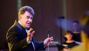 Daudzpusīgajam mūziķim, diriģentam un pedagogam Jevgeņijam Ustinskovam - 50!