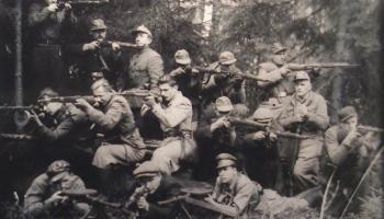 Nacionālās pretošanās kustība - centieni atgūt neatkarību, mainoties okupācijas varām