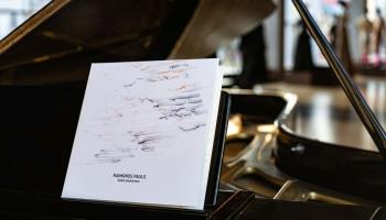 """Raimonda Paula mūzika Dailes teātra simtgades albumā """"Dailes pieskāriens"""""""