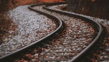 5. maijs. Beļģijā atklāj pirmo dzelzceļa satiksmes līniju Eiropā