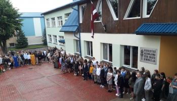 Viesojamies Cēsīs. 1.septembris Draudzīgā Aicinājuma Cēsu valsts ģimnāzijā