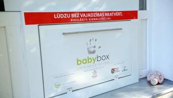 «Спасли два школьных класса». Итоги 10 лет работы BabyBox в Латвии