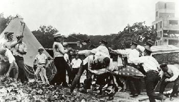 29. jūlijs. ASV prezidents raida armiju pret Pirmā pasaules kara veterāniem