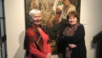 Cēsu izstāžu nama vadītāja Nata Livonska un ērģelniece un deputāte Lelde Krastiņa
