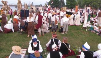 Krustimi ejami: atskats uz kultūras dzīves notikumiem Lietuvā un Igaunijā
