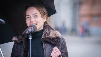 Dzejas lasījumi no Latvijas Radio balkona. Emija Grigorjeva