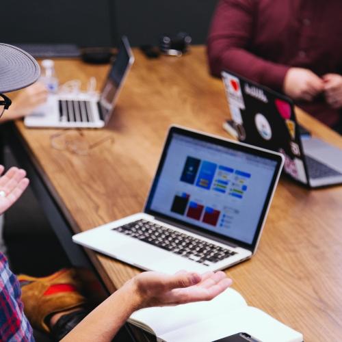 Tiešsaistes karjeras dienā informē par darba iespējam Latvijā