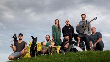 Grupa CanZone un Milleru-Balandīnu ģimene piedāvā tautasdziesmu jaunā interpretācijā