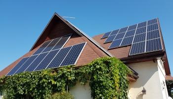 Saules enerģijas ražošanu mājsaimniecībās bremzē OIK