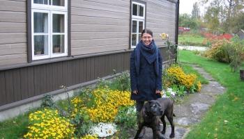 Bioloģe Rūta Abaja vada sēklu maiņas punktu Dundagā un Kolkā un apgūst permakultūru
