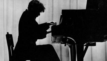 Pianistu unikalitātes, specifiskā toņa un interpretācijas atpazīstamības noslēpumi