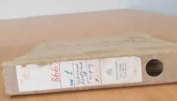 Kādas privātmājas sienā Vidzemē atrasti vērtīgi VDK dokumenti