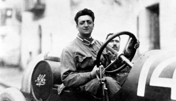 14. augusts. 90 gadu vecumā mirst sporta auto ražotājs Enco Ferrari