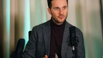 Reinis Suhanovs: performance ir veltījums visiem, kuri tic dzīvajam mākslas notikumam