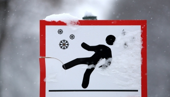 Мнение доктора: как правильно подготовиться к зиме и зачем учиться падать?