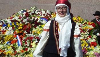 Jau trešo gadu tautastērpi dosies īpašā parādē! Saruna ar Evitu Lisovsku