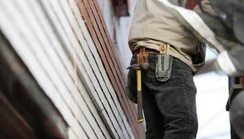 Что нам стоит дом построить: Латвия — «лидер» по бюрократии среди стран Балтии
