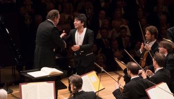 Lucernas festivāla atklāšanas koncertā - pianists Lans Lans un diriģents Rikardo Šaijī