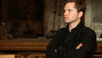 Dziedātājs Juris Jope: Ar Alfrēdu Kalniņu tā pa īstam satiekos tikai tagad