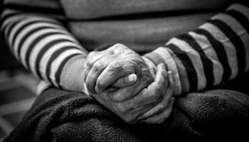 Parkinsona slimība mūsdienās kļūst par aizvien izplatītāku saslimšanu