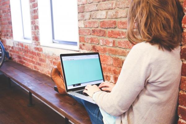 Ētika attālinātajās mācībās: Skolēniem jāsaprot, ka klases telpa kļuvusi virtuāla