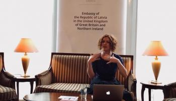 Daces Dzenovskas monogrāfija par politiskā liberālisma praksi Latvijā ieguvusi apbalvojumu