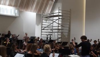 Jūrmalas festivālu atklās trakulīgs Latvijas Simtgades jauniešu orķestra koncerts