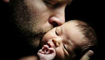 Отцам тоже нужна поддержка: сегодня начинается кампания «Папа может»