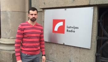 Ceļojuma otrajā stundā DJ lomā iejūtas skeletonists Martins Dukurs