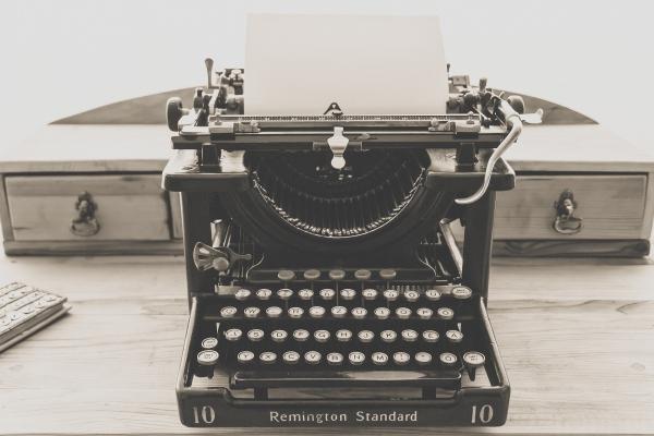 23. jūlijs. Viljams Ostins Bērts patentē pirmo rakstāmmašīnu