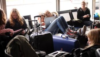 Stingrāk kontrolēs ieceļotājus Latvijā un nepieņems ilgtermiņa vīzu pieteikumus
