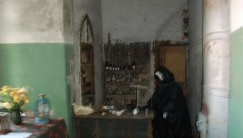 Alsungas pils: tās dižciltīgo saimnieku un neskaitāmo īrnieku atstātās pēdas