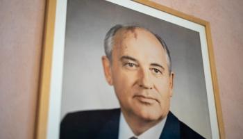 3. decembris. Uz kuģa tikās PSRS vadītājs Mihails Gorbačovs un ASV vadītājs Džordžs Bušs