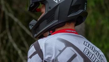 BMX riteņbraucējs Helvijs Babris, EČ futbolā un skandāli