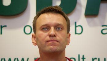 Лента событий: Навальный против семейства Чаек
