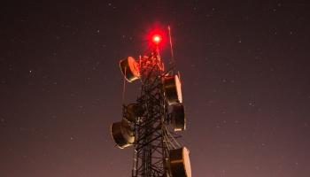 Mobilie sakari, 6G un lietu internets: diskutē LMT un Tele2 pārstāvji