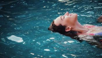 Синхронизация музыки, воды и движения