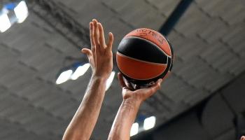 Ar trim lieliskiem latviešiem sākas prognozēm izaicinoša NBA sezona