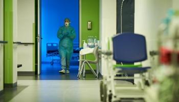 Почему больницам не становится легче со снижением заболеваемости Covid-19