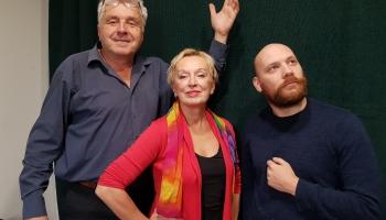 """Izzinošākās mīklas min teātra """"Spēle"""" aktieris Andris Krūmiņš un režisore Raimonda Vazdika"""
