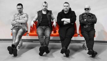 "Grupa Inqognito izdevusi debijas albumu ""Divpadsmit dziesmas"""