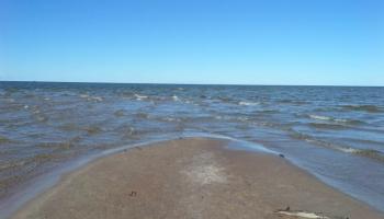 Мыс Колка: прогулка меж двух морей