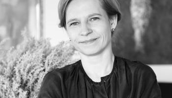 """Krustpunktā Lielā intervija: """"Telos.lv"""" galvenā redaktore Agnese Irbe"""